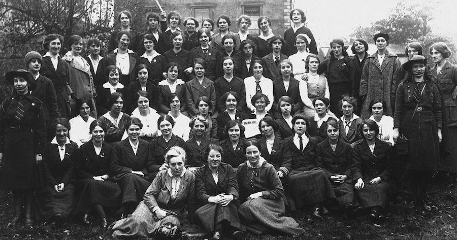 Sixty-women-from-Cumann-na-mBan-xl-1280x673